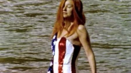 Les images de certaines vidéos présentent sur le DVD bonus de Abnormally Attracted to Sin avaient été tournées lors de la précédente tournée de Tori Amos