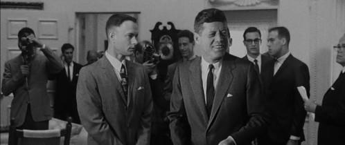 Forrest Gump (Tom Hanks) rencontre le président Kennedy