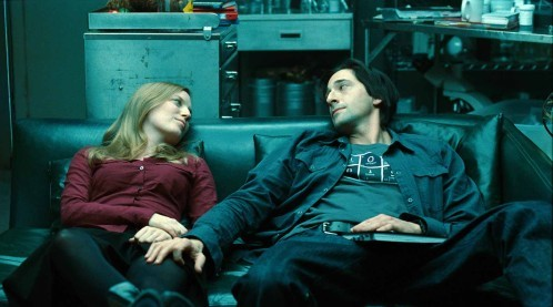Elsa (Sarah Polley) et Clive (Adrien Brody), un couple de scientifiques sur le point d'enfanter d'une étrange créature dans Splice de Vincenzo Natali.