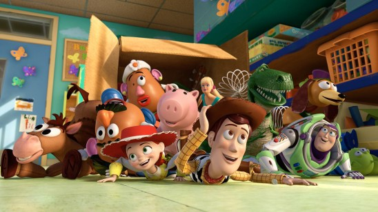 Toy Story 3: les personnages posent le regard sur la crèche de Riverside. Un émerveillement semblable à celui que provoque la vision du film sur le spectateur.