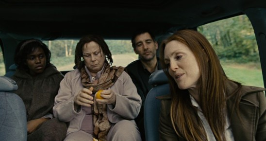 image plan-séquence voiture clare-hope ashitey clive owen julianne moore