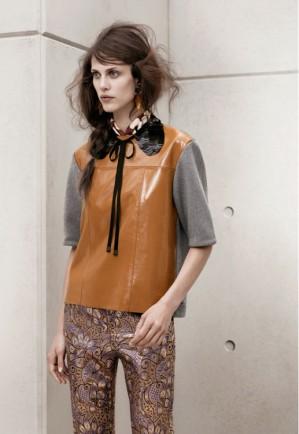 Marni pour H&M : top en cuir 129€, col claudine à paillettes : 19,99€, pantalon : 79,95€ :