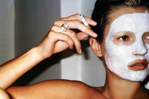 kate moss white mask mario testino