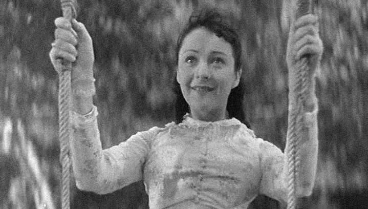 Henriette sur la balançoire du film Une Partie de Campagne de Jean Renoir.
