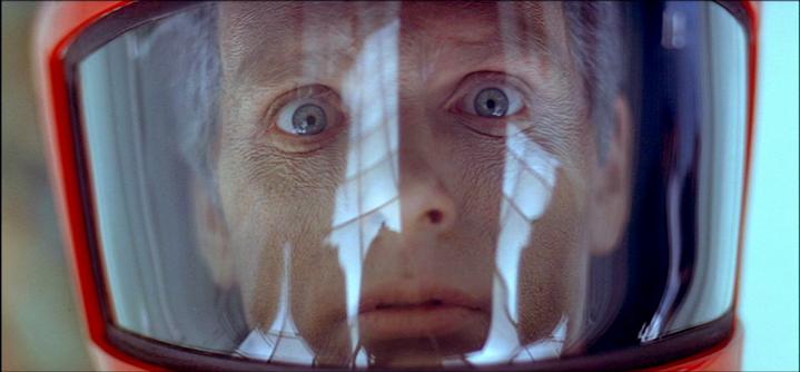 Dave Bowman (Keir Dullea) prématurément vieilli à la fin de 2001, l'Odyssée de l'espace.