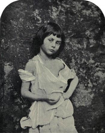 alice-liddell-mendiante