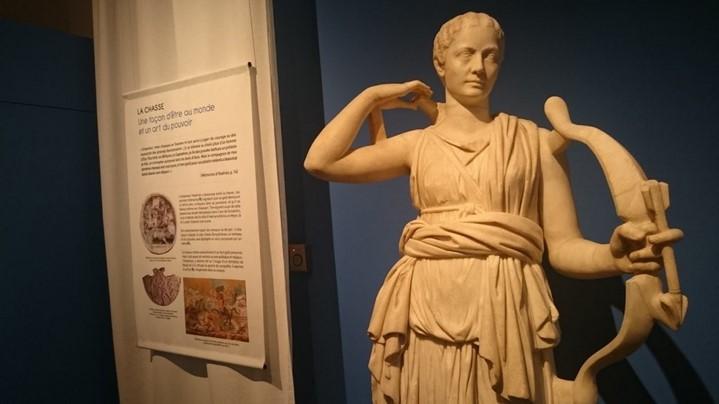 image statue empreur hadrien marguerite yourcenar