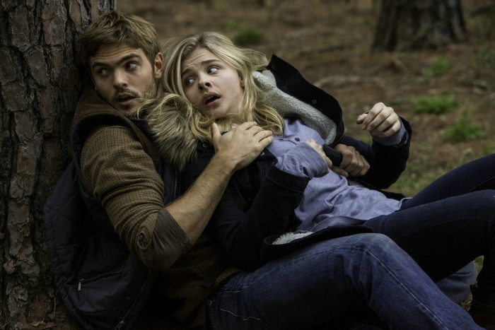 image la 5ème vague alex roe chloë grace moretz