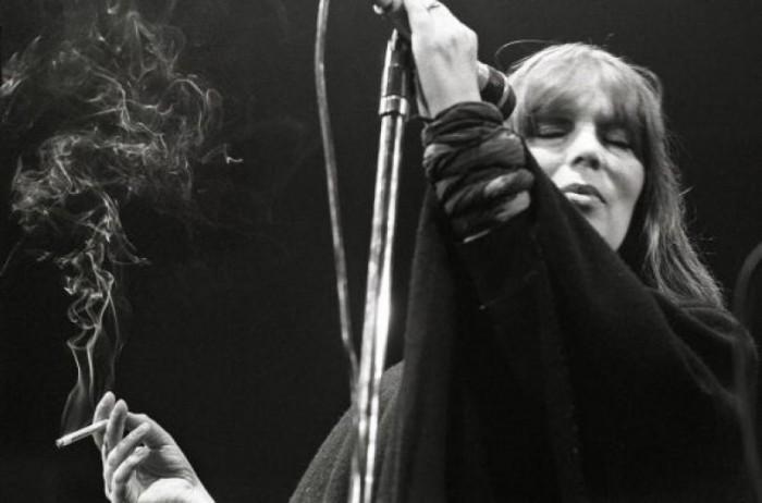 nico sur scène en 1984