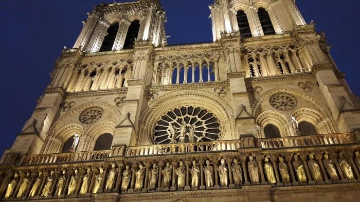 Notre Dame de Paris et ses mystères... © Culturellement Vôtre