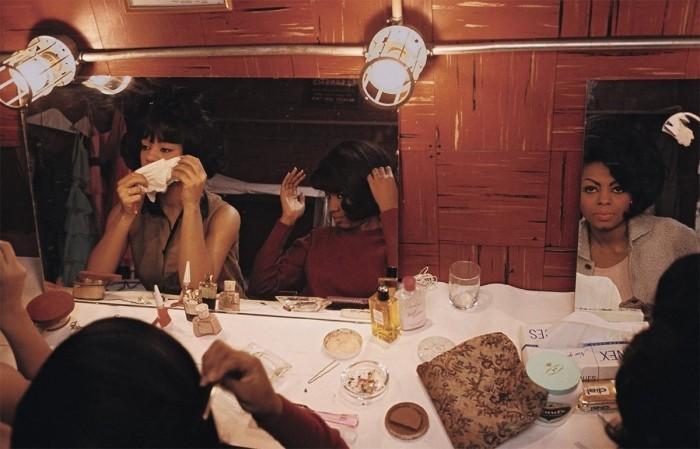 Les Supremes dans leur loge à New-York, en 1965.