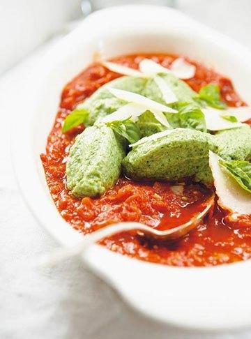 image polpettes aux épinards à la sauce tomate ricardo larrivée un québécois dans votre cuisine