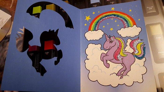 image glitterizz lansay carte pailletée petit poney licorne résultat final