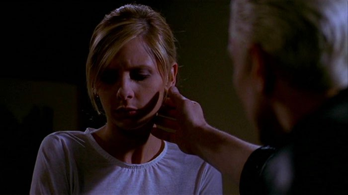 image sarah michelle gellar james marsters buffy spike saison 7 épisode 20 touched contre-attaque