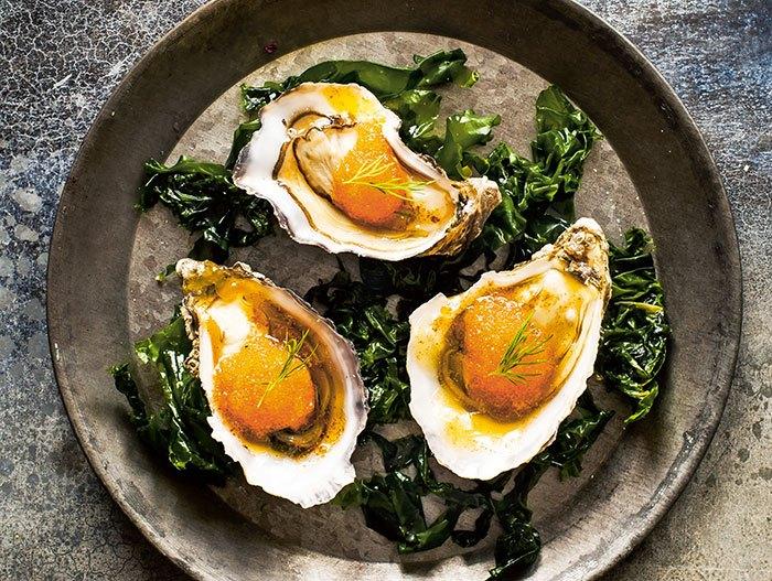 image huîtres aux oeufs d'ablette et beurre noisette jonas lundgren la cuisine paléo marabout