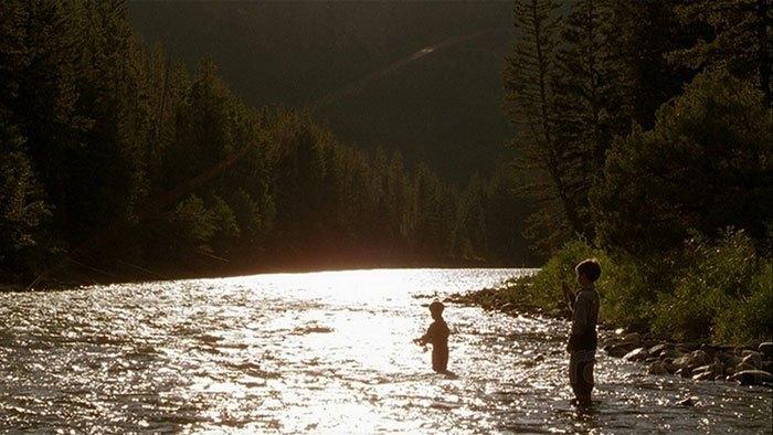 image pêche et au milieu coule une rivière robert redford