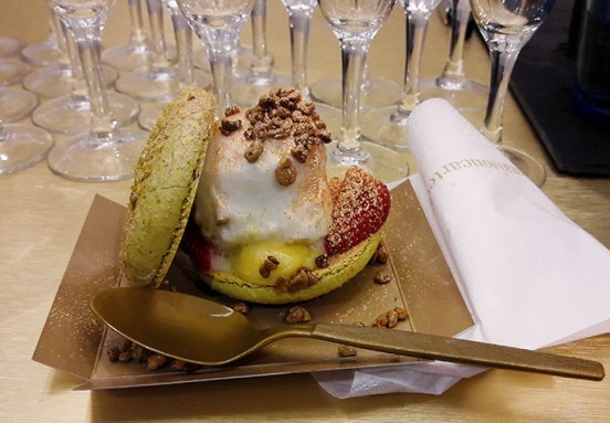 image maison carte d'or macaron glacé