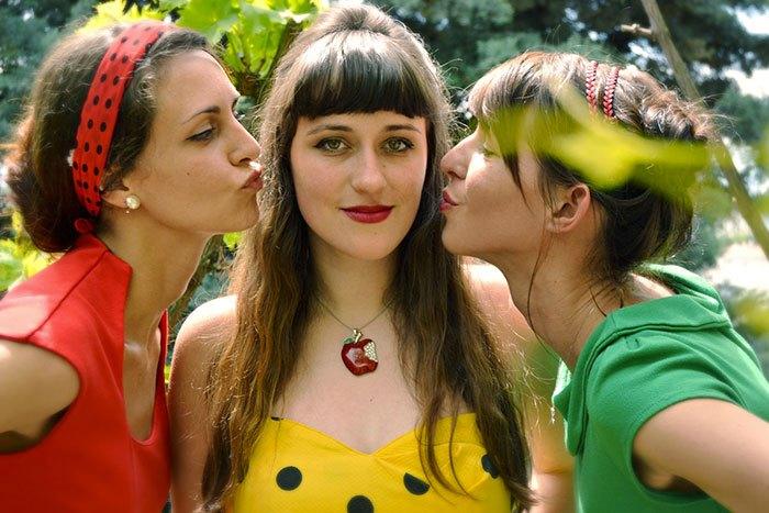 image celine koenig emilie souillot laurine arcel trio cosmos