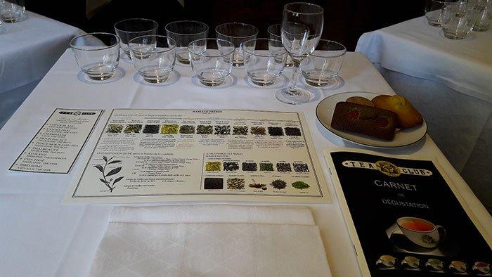 image table de dégustation atelier thés du triangle d'or tea club mariage frères