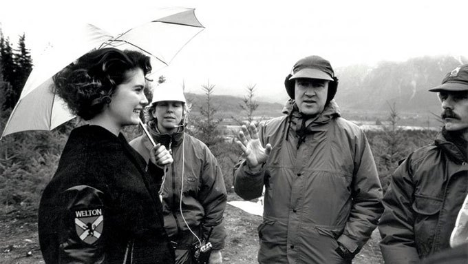 image lara flynn boyle david lynch twin peaks shooting on set