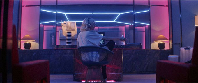 image charlize theron neons atomic blonde