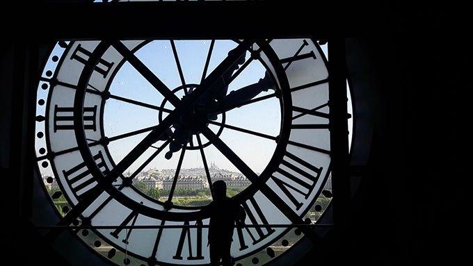 image horloge vue depuis restaurant musée d'orsay paris