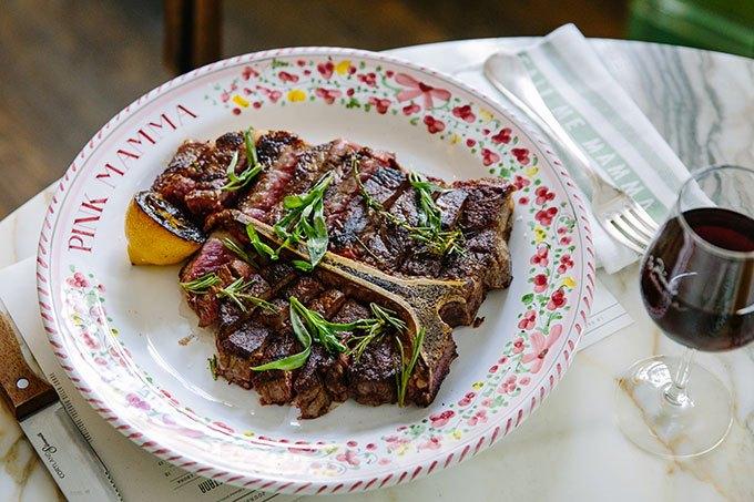 image steak t-bone pink mamma paris