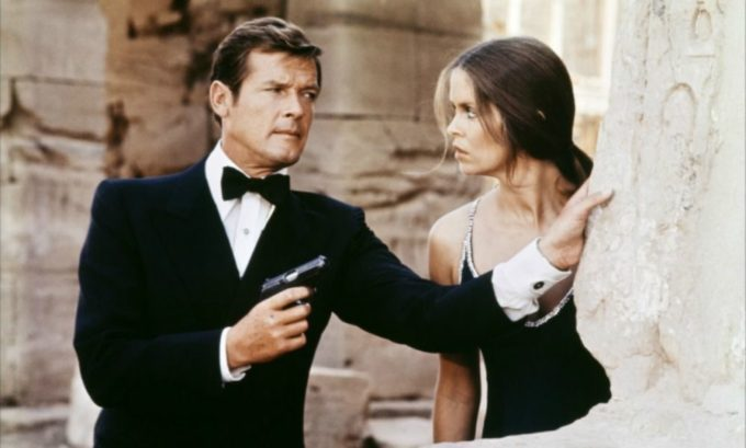 image roger moore james bond