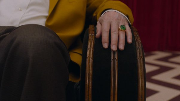 image dougie jones black lodge bague verte twin peaks saison 3 épisode 3