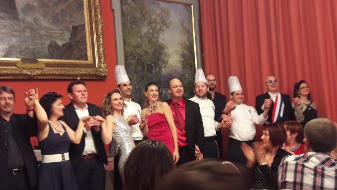 image troupe guillaume paire cuisiniers rappel dîner-spectacle roanne table ouverte 2017