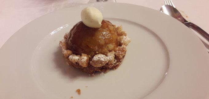 image tarte aux pommes grand-mère greta roanne table ouverte 2017 dîner-spectacle pâtisserie clarissou
