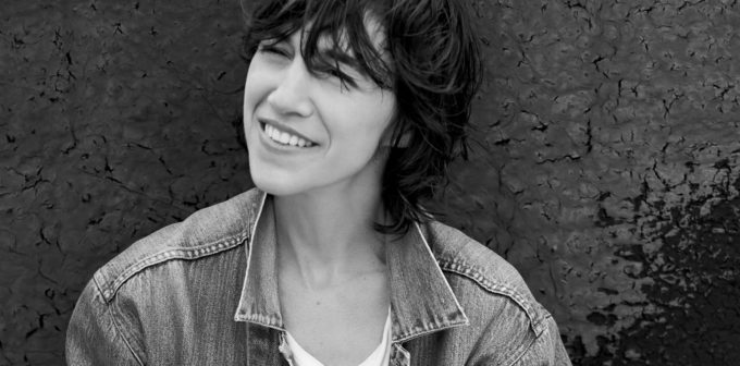 image charlotte gainsbourg rest photo noir et blanc
