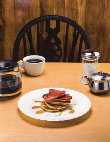 image pancakes au jambon et sirop d'érable mystères en cuisine lindsey bowden