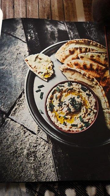 image caviar d'aubergines tahiné et citron livre de cuisine assassin's creed le codex culinaire hachette heroes