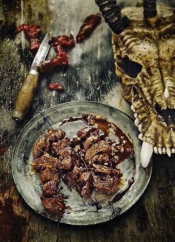 image boeuf en brochettes du barbare conan gastronogeek
