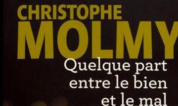 image gros plan couverture quelque part entre le bien et le mal christophe molmy éditions de la martinière