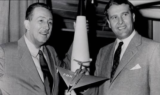 Walt Disney et Wernher von Braun dans les années 50.