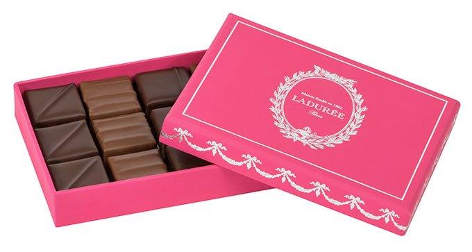 image coffret chocolats infusés au thé ladurée saint-valentin