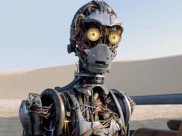 C3-PO dans Star Wars, Episode I, La menace fantôme.