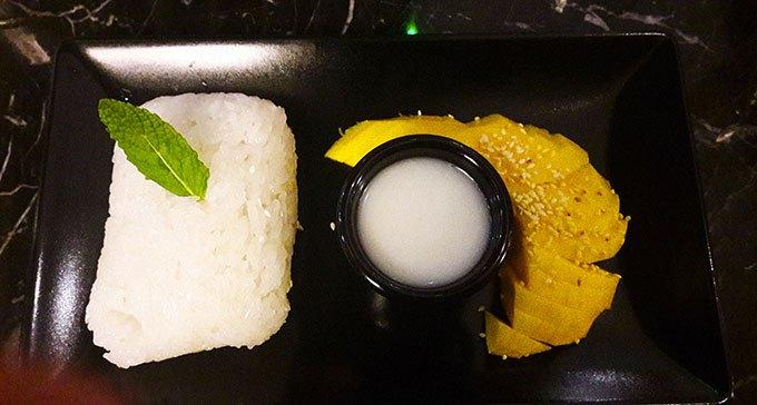 image riz gluant coco mangue la brasserie thaï montmartre