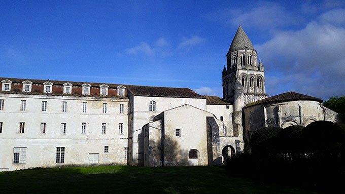 image visite abbaye aux dames saintes charentes-maritime
