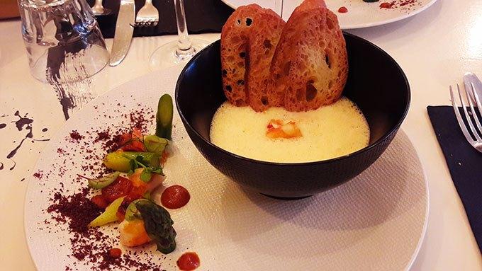 image oeufs vapeur émulsion de gambas restaurant signature montmartre