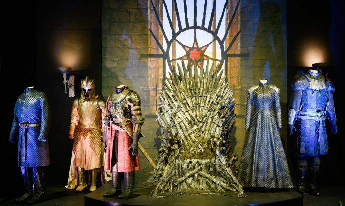 image trone game of thrones exposition