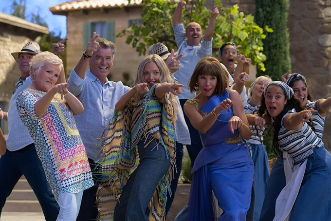 image julie walters pierce brosnan amanda seyfried christine baranski mamma mia here we go again