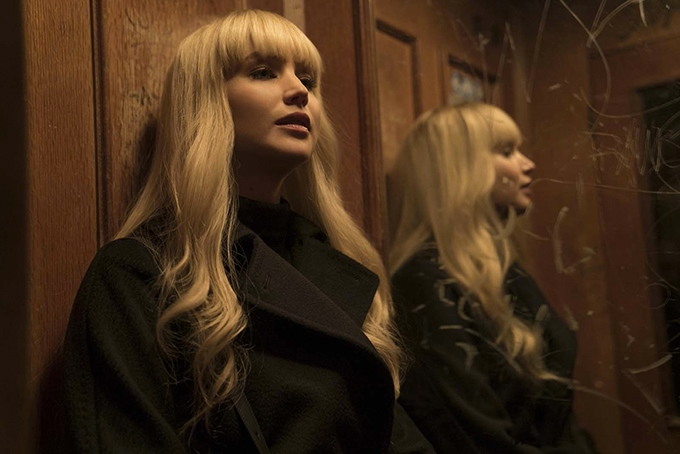image miroir jennifer lawrence red sparrow