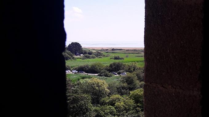 image vue sur l'océan depuis le château de suscinio