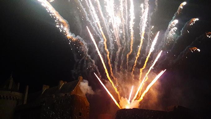 image feux d'artifice spectacle nocturne été 2018 domaine de suscinio
