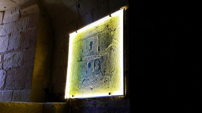 image graffitis templiers tour du coudray forteresse royale de chinon