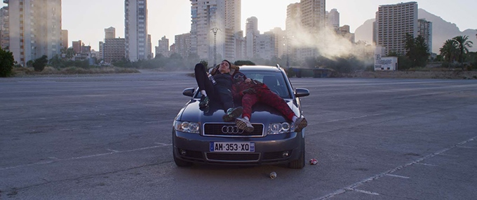 image caïds voiture banlieue film le monde est à toi romain gavras