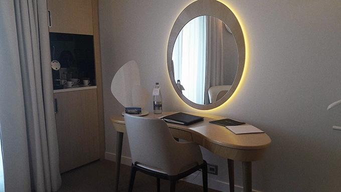 image bureau coin minibar miramar la cigale hôtel thalasso et spa bretagne